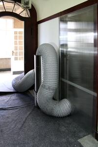 Badsanierung nahezu staubfrei dank dem Luftreinigungsgebläse Air Clean.
